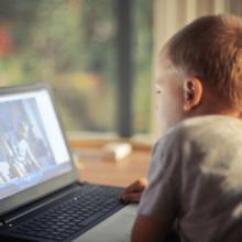 infants pantalla consells vista